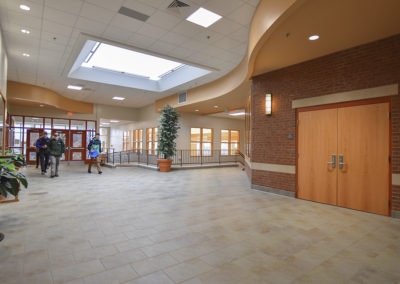 8 Lobby